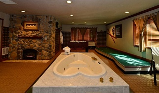 Top Romantic Adult Themed Fantasy Suites and Sex Hotels - Players Club Fantasy Suite at Anniversary Inn