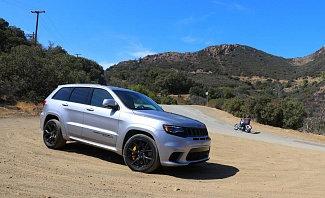 Jeep Grand Cherokee SRT features a 707hp Hellcat Engine and is awesome.