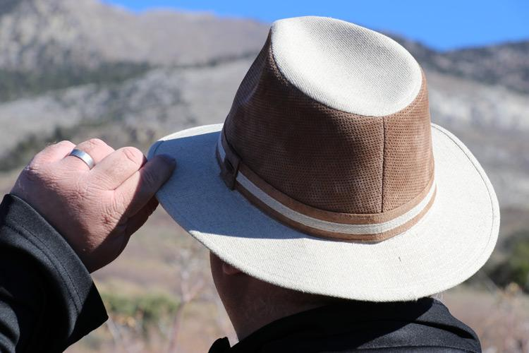 back of coolibar fedora