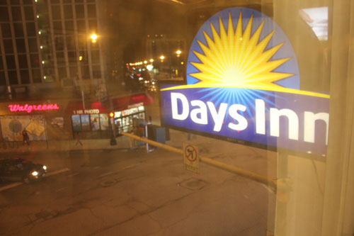 days-inn-sign