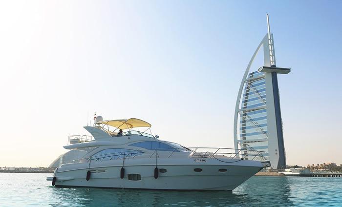 luxury yacht burj al arab dubai