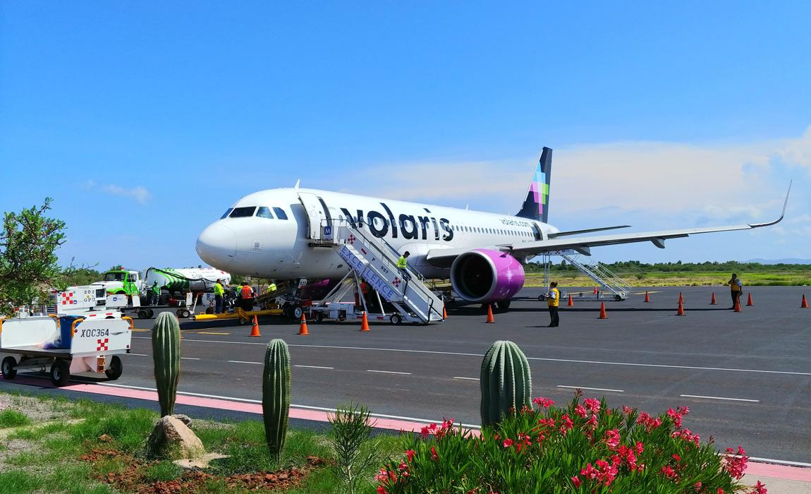 Volaris A320 at Loreto Airport in Mexico
