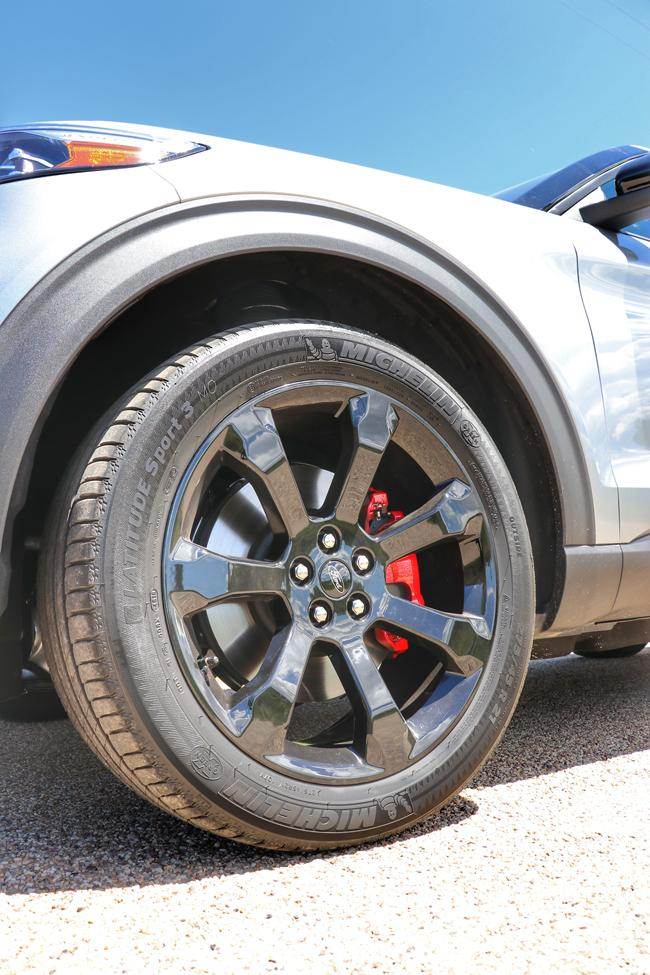 michelin latitude sport 3 tires and brembo brakes