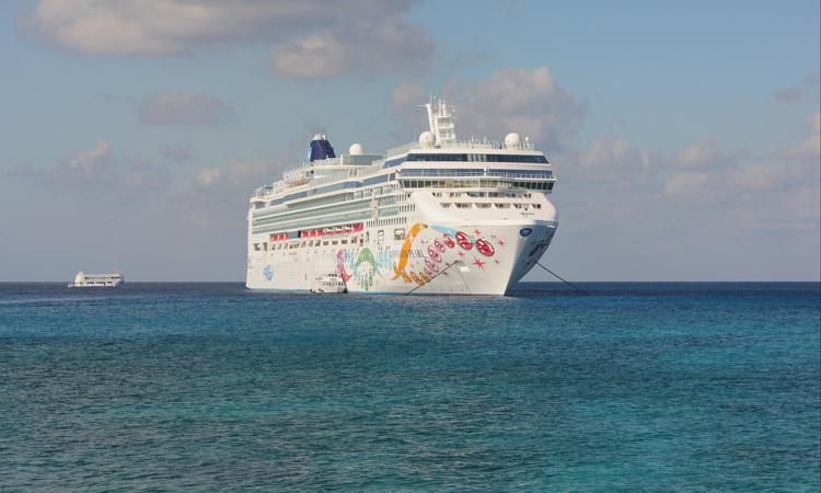 Norwegian Cruise Lines NCL Pearl moored in Grand Cayman