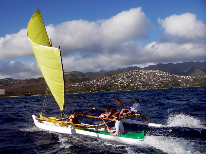 hawaiian-canoe-sailing