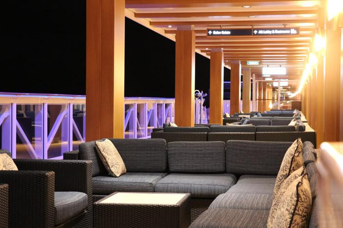 outdoor seating areas on norwegian bliss