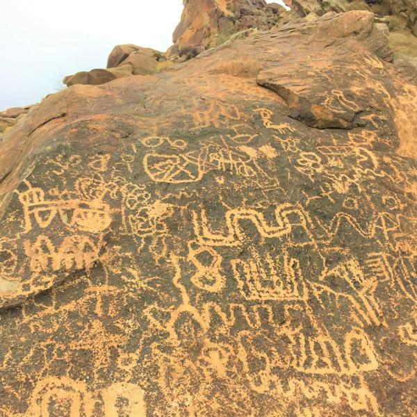 Grapevine Canyon petroglyphs Lauphlin Nevada