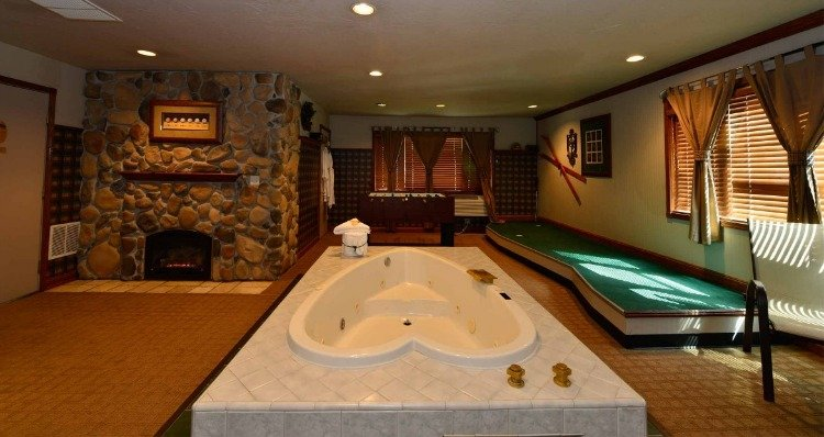 Top Themed Fantasy Suites And Hotels Players Club Suite At Anniversary