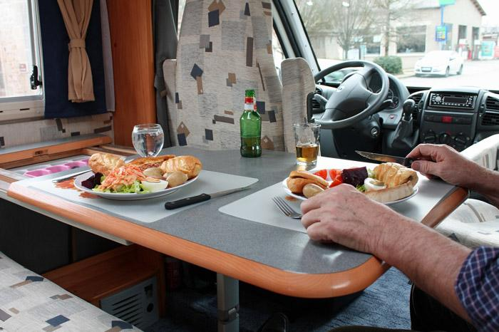 eating dinner in your rv
