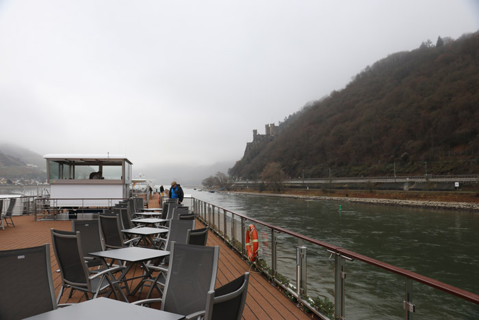 cruising the rhine watching castles