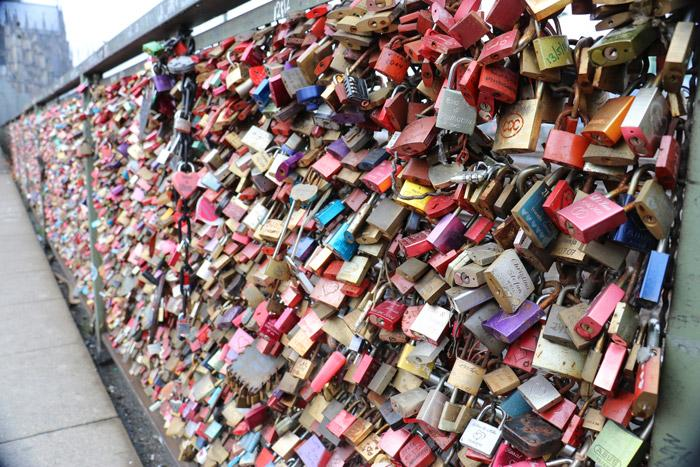 love locks bridge cologne germany
